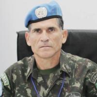 Santos Cruz comandou no Congo primeira tropa da ONU com poder de tomar iniciativa contra milícias
