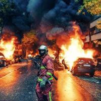 Woloszyn - O CAOS NA FRANÇA: guerra híbrida ou exclusão social
