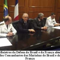 Ministro Nelson Jobim da Defesa e o Comandante da Marinha do Brasil assinam documento referente aos submarinos.