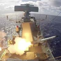 Lançamento do míssil MANSUP desde a Fragata F44 Independência Foto Marinha do Brasil