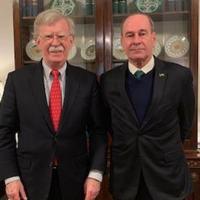 General Azevedo defende 'solução pacífica' e diz que assessor de Segurança Nacional americano não mencionou apoio a ação militar contra Nicolás Maduro