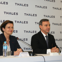 Na foto: Pascale Sourisse - Senior Executive Vice President, International Development, Thales and CEO Thales International and Ruben Lazo - Vice President of Thales in Latin America