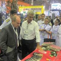 Ministro da Defesa visitou estande do CFN na LAAD, no dia 4 de abril