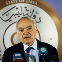 enviado da ONU na Líbia, Ghassan Salamé, em coletiva de imprensa sobre a situação na capital da Líbia, Trípoli, em 6 de abril de 2019