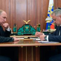 Presidente russo, Vladimir Putin, e ministro da Defesa, Sergei Shoigu 02/07/2019 Sputnik/Alexey Druzhinin/Kremlin via REUTERS