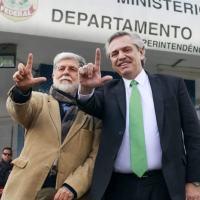 O candidato de esquerda à presidência da Argentina Alberto Fernández afirmou na quinta-feira (04JUL2019), após visitar Lula que a prisão do ex-presidente