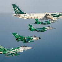Aeronaves da SAAF em pintura comemorativa. Na foto aeronaves dos doi smaiores fornecedores Estados Unidos F-15SA Desert Eagle e Typhoon e Tornado com um Airbus A330 MRTT do Reino Unido e França.