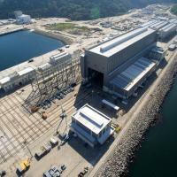 O escopo de atuação da Odebrecht Engenharia & Construção no PROSUB está relacionado à construção do Estaleiro e da Base Naval, onde a empresa é responsável por três frentes de trabalho.