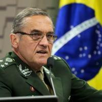 Gen Ex Villas Boas voltou às redes alertando para o risco de uma 'eventual convulsão social'