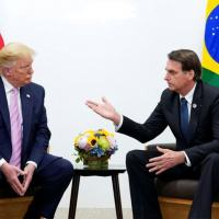Presidente Jair Bolsonaro conversa com presidente dos EUA, Donald Trump, em Osaka 28/06/2019