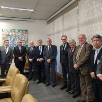 membros do Conselho Consultivo renovado do Sindicato Nacional das Indústrias de Materiais de Defesa (SIMDE).