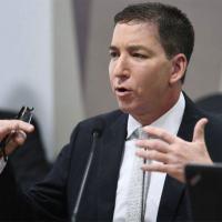 O MPF denunciou sete pessoas dentro da Operação Spoofing. O jornalista Glenn Greenwald também foi denunciado, embora não tenha sido indiciado pela Polícia Federal.