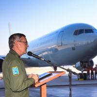 Brigadeiro Rossato recebe o C-767, em 10 julho 2016. Cabe aos militares procurar soluções enquanto os oligarcas, sem noção, chafurdam nas verbas como a do  Fundão