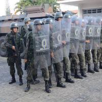 MD emprega as Forças Armadas brasileiras em Operação GLO perímetro externo da Penitenciária Federal em Brasília (DF).