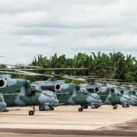 Helicópteros Ah-2 Sabre emformação na Base de Porto Velho (ALA6) Foto Cecomsaer
