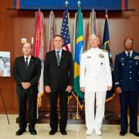 A partir da esquerda Ministro da Defesa Fernando Azevedo, Presidente Jair Bolsonaro, Almirante Faller (SOUTHCOM) e TenBrig Raul Botelho Chefe do Estado-Maior Connjunto da Forças Armadas Foto - Ministério Defesa