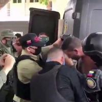 Prisão de invasores segundo o governo da Venezuela.