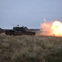 1º RCC executa tiro das Viaturas Blindadas de Combate Leopard 1A5 BR