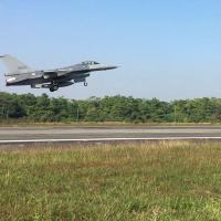Caça da Força Aérea de Taiwan decola na base de Chiayi, no norte da ilha 15/01/2020 REUTERS/Ben Blanchard