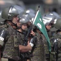 Mais um artigo na linha de atacar as Forças Armadas e tentar desestabilizar o governo.