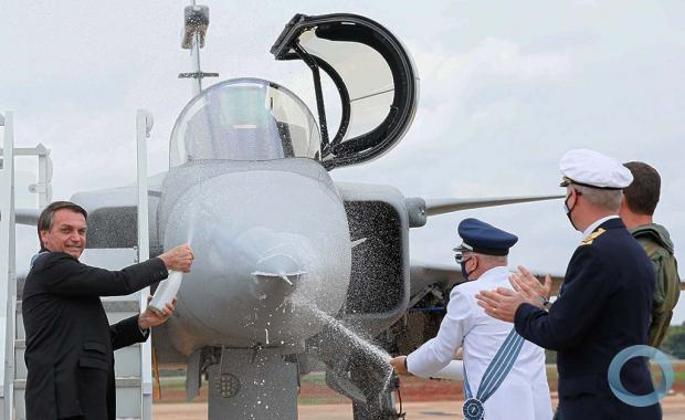 Gripen Officially Presented in Brazil