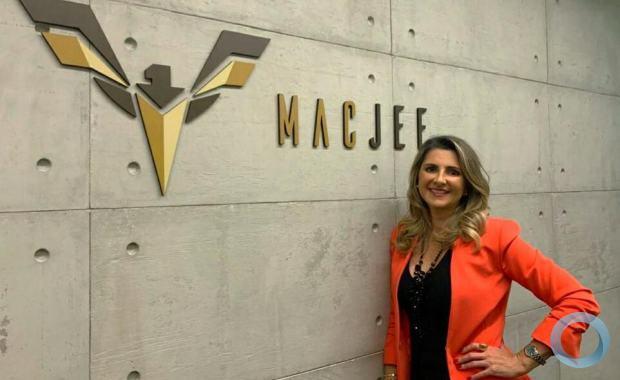 O Grupo Mac Jee, formado por empresas brasileiras do segmento de Defesa e aeroespacial, anunciou Alessandra Stefani como nova CEO da companhia.