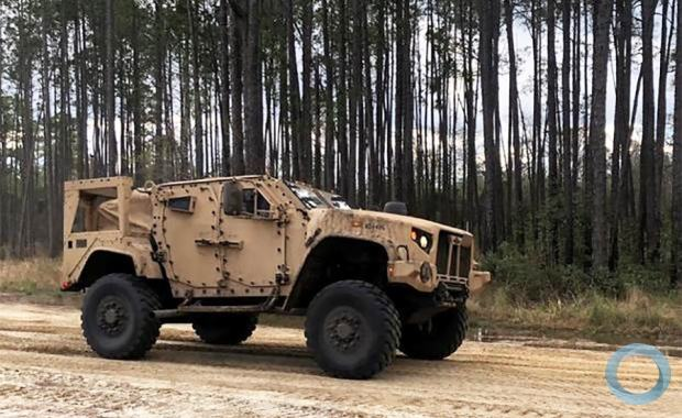 A nova viatura adquirida pelo CFN JLTV (Joint Light Tactical Vehicle) é otimizada para emprego em Teatro de Operações com IEDs e em especial ambientes urbanos. O JLTV é produzido pela empresa Oshkosh.