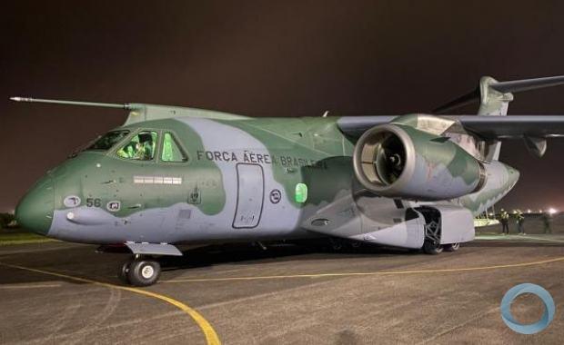 KC-390 transporta mais de 8 toneladas de equipamentos para Manaus