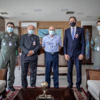 Comandante da Aeronáutica recebe Diretoria da FIESC