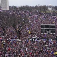 Comício de Donald Trump no dia 06 de Janeiro 2021, momentos antes da invasão ao Capitólio.