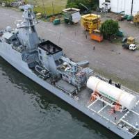 """Navio-Patrulha Oceânico """"Apa"""" transporta cilindro de oxigênio para Manaus (AM)"""