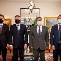 Minsitro Rossi (esq), Alm Esq Flavio Rocha, Embaixador Scioli e Embaixador Reinaldo Salgado Foto Mindef