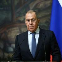 O ministro das Relações Exteriores da Rússia, Sergei Lavrov, participa de uma coletiva de imprensa conjunta com seu homólogo iraniano após