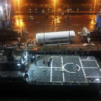 """Apa"""" atraca em Vila do Conde (PA) para transferência de tanque de oxigênio Foto Marinha do Brasil"""