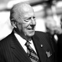 George Shultz teve grande influência em governos republicanos