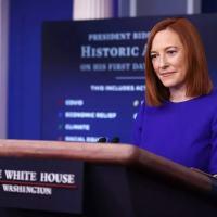 Porta-Voz do Governo Biden, Jen Psaki, dá um pito na Globo em plena Casa Branca
