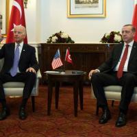 O presidente dos EUA, Joe Biden, quando era vice-presidente de Barack Obama, com Recep Tayyip Erdogan em Washington em março de 2016
