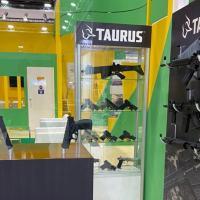 CBC e Taurus participam da maior feira militar do Oriente Médio e reforçam presença global