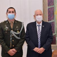 Embaixador do Brasil apresenta, Gen Menandro apresentou  credenciais ao presidente de Israel Reuven Rivlin. Na foto o Adido de Defesa Cel Marcus Vinicius Bonifacio com o Embaixador Menandro