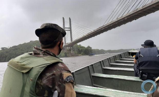 Comando Conjunto Norte auxilia na apreensão de embarcações na fronteira do Brasil com a Guiana Francesa