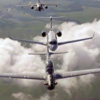 Video - Sensacional voo em Formação de jatos das divisões: executiva, comercial  e de defesa.