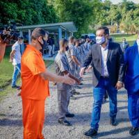 O governador Cláudio Castro visitou  na terça-feira, dia 03MAR21,  a fábrica da Condor Tecnologias Não Letais no bairro de Adrianópolis, em Nova Iguaçu.
