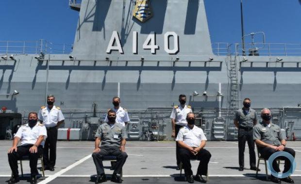 A comitiva foi recebida a bordo do navio pelo Comandante da 1º Divisão de Esquadra