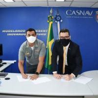 Diretor do CASNAV e o diretor geral da empresa Kryptus Segurança da Informação S.A.