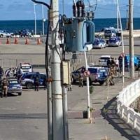 Policial militar que 'surtou' e disparou tiros para cima na região do Farol da Barra, em Salvador é baleado