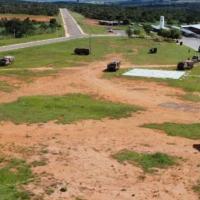 Batewria do ASTROS 2020 disposta no terreno do Forte Snata Barbara, Formosa, Goiás.  Crédito: Cmdo Art Ex