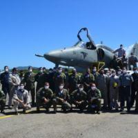 Aeronave AF-1B, N-1001, do 1° Esquadrão de Aviões de Interceptação e Ataque