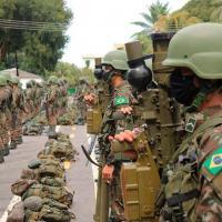 A 1ª Brigada de Infantaria de Selva (1ª Bda Inf Sl) realizou o apronto operacional de sua Força de Prontidão (FORPRON) nas cidades de Boa Vista, Manaus e Humaitá (AM), no dia 14 de abril. Observar militares com mísseis MANPADS IGLA.