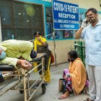 Alguns hospitais em Nova Delhi não estão aceitando novas admissões de pacientes com covid