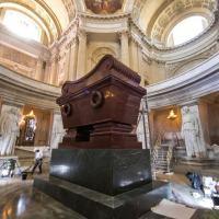 Localizado nos Invalides, em Paris, o túmulo de Napoleão acaba de ser renovado para o bicentenário de sua morte. Keystone / Christophe Petit Tesson